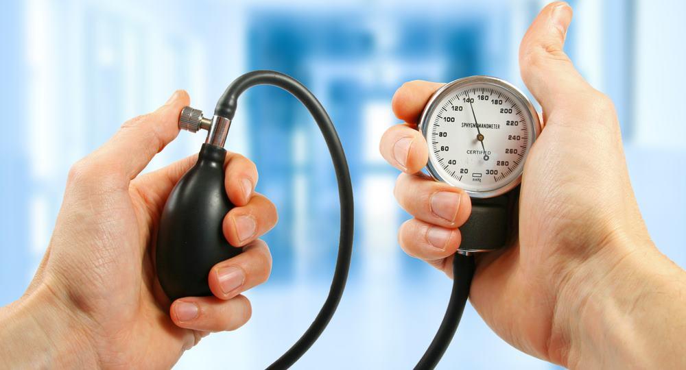 magas vérnyomás nyomás 220 mit kell tenni)