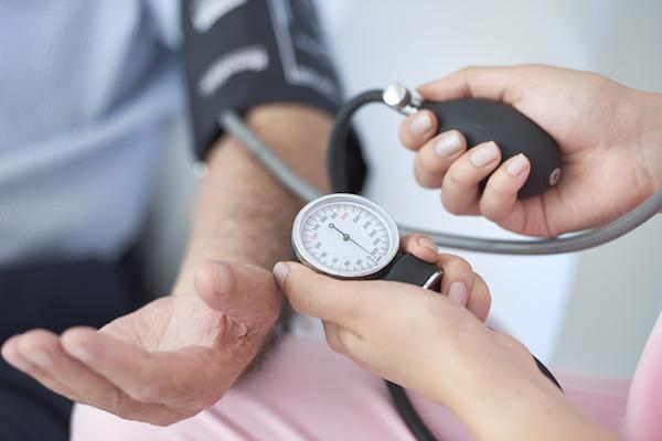 milyen nyomás jelzi a magas vérnyomást