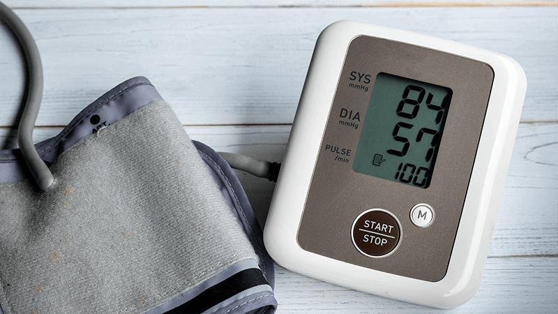 magas vérnyomás esetén a pulzus alacsony)