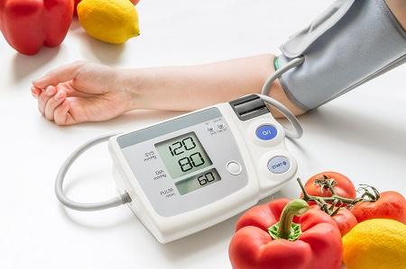 hogyan kell kezelni a magas vérnyomást 60 évesen