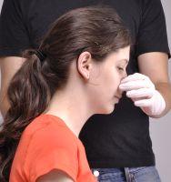 orrvérzés magas vérnyomás elsősegély esetén)