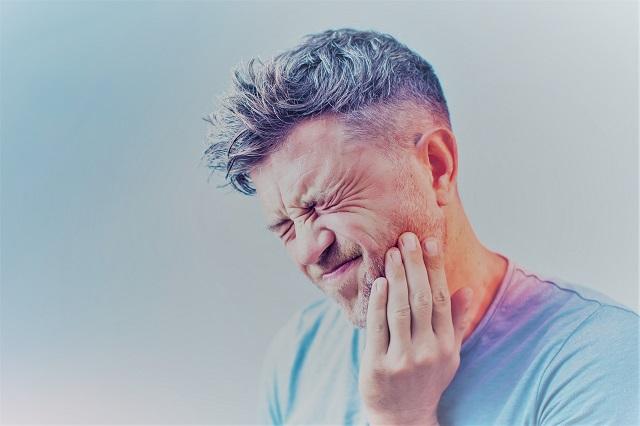 magas vérnyomás és arcfájdalom)