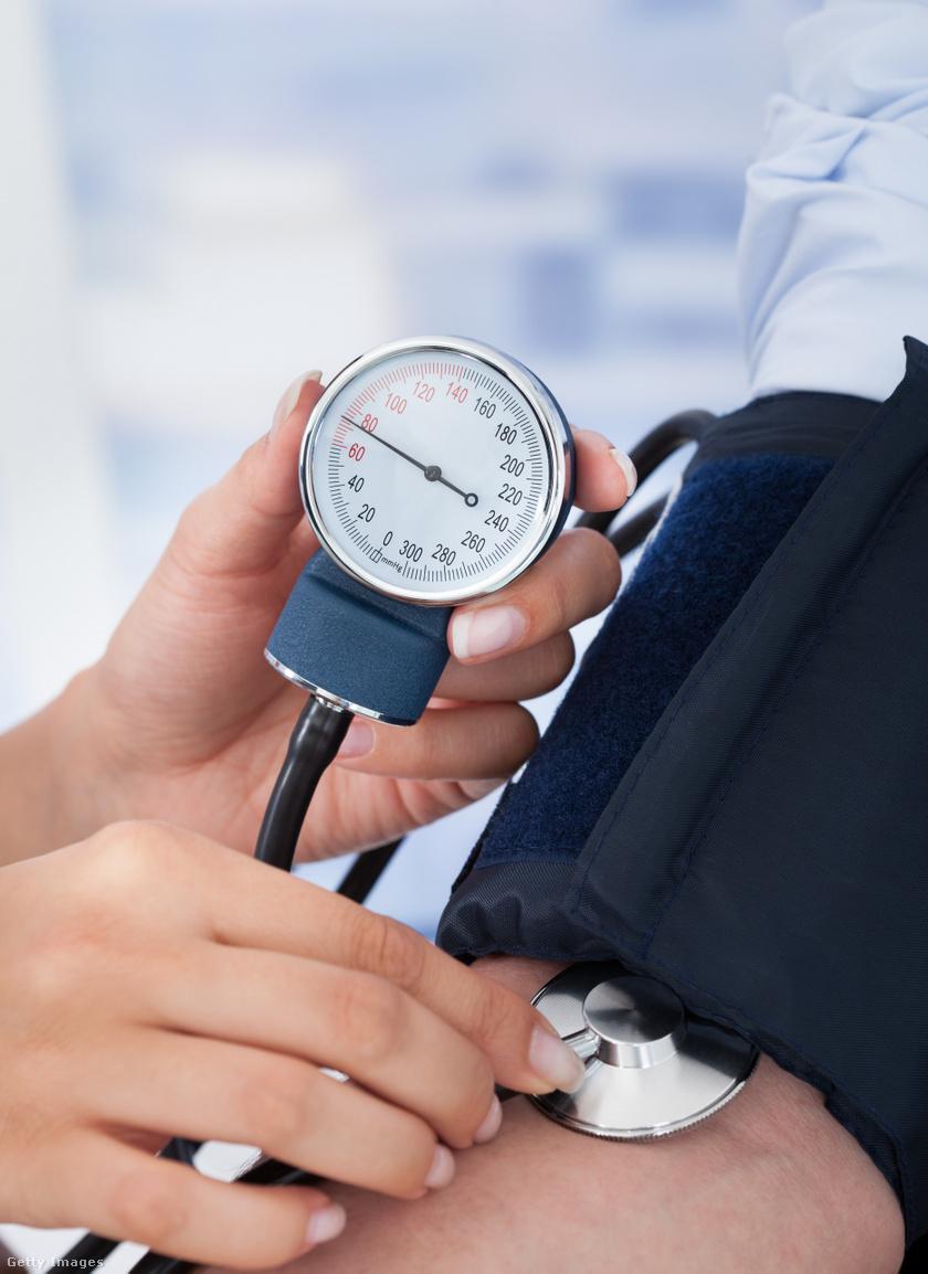 a magas vérnyomás tünetei egy férfiban