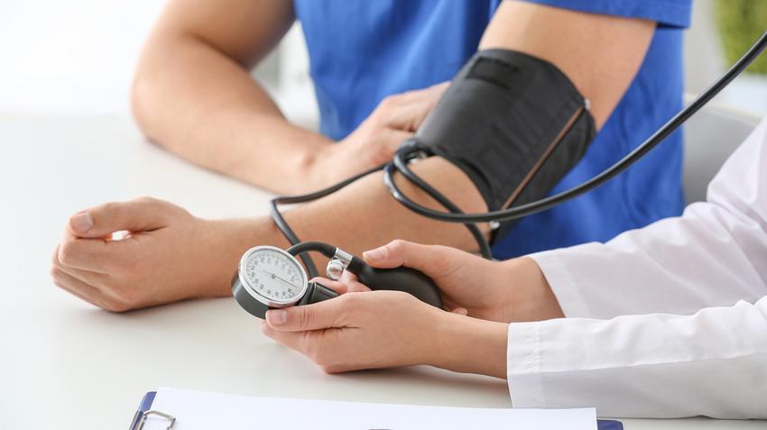 a magas vérnyomás kezelésének ellenőrzése
