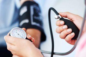 a magas vérnyomásról és a hipotenzióról)