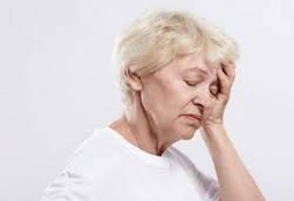 Orrsövényferdülés tünetei és kezelése