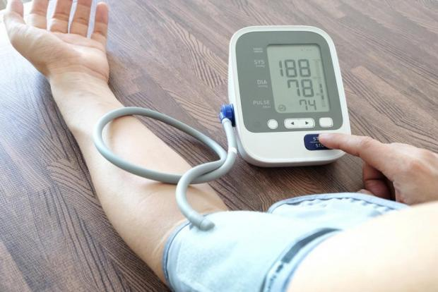 Impulzus guggolás után - Magas vérnyomás