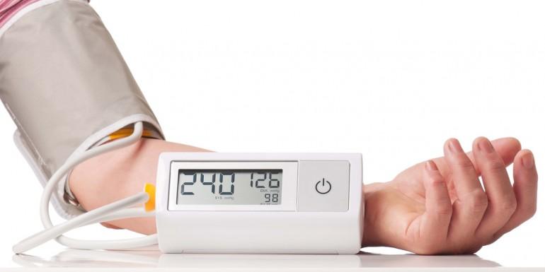 hőmérséklet-emelkedés magas vérnyomás esetén)