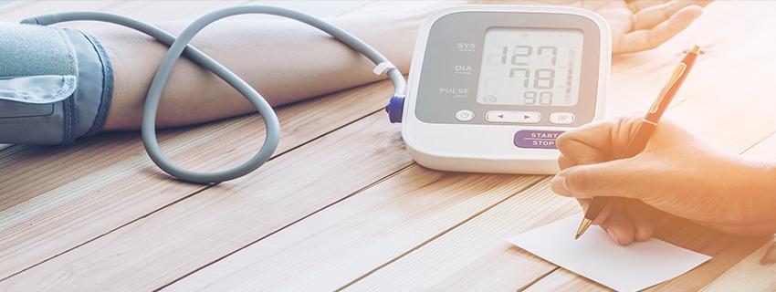 magas vérnyomás aritmiával történő kezelése